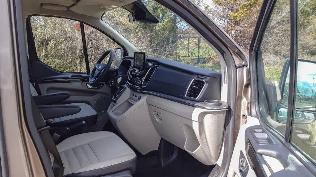 Ford Tourneo Custom - Wnętrze