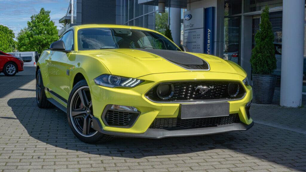 Mach1 przód samochodu Yellow