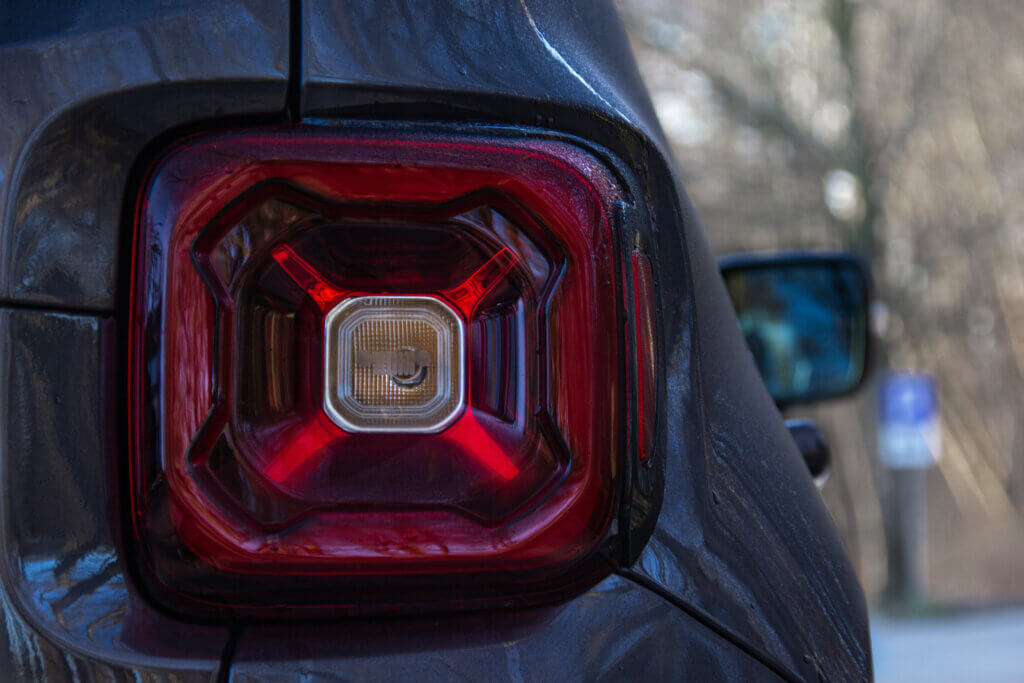 Jeep Renegade 4xe Limited lampa tylna