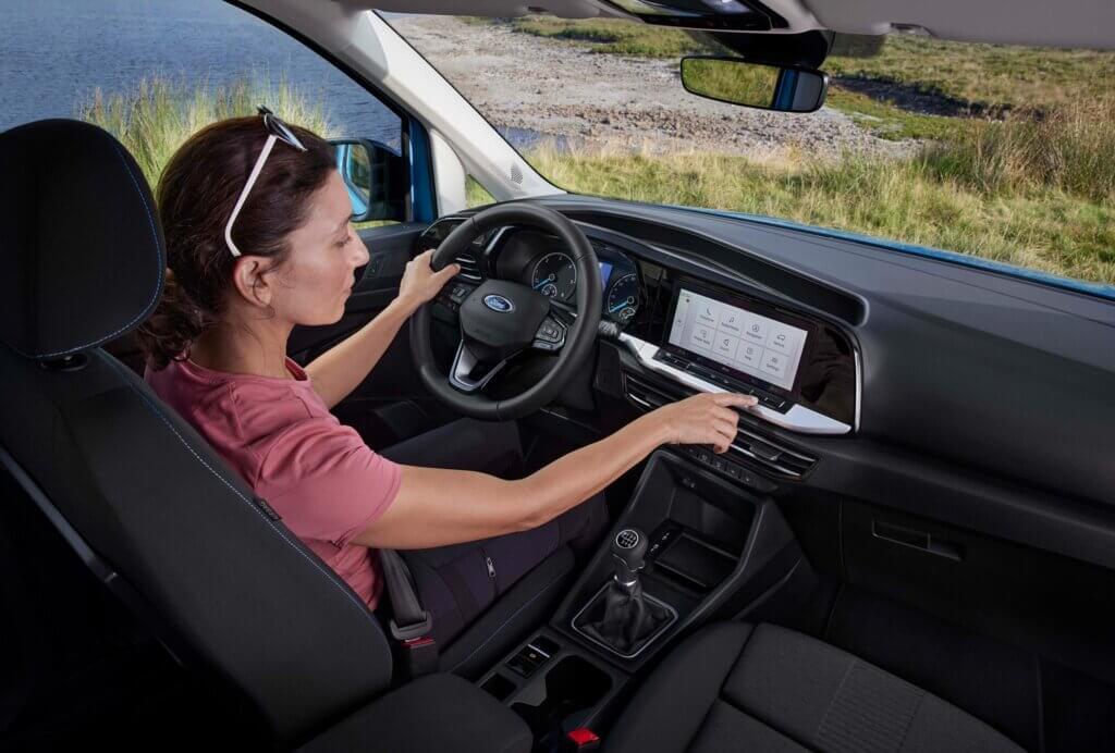 2022 Nowy Ford Tourneo Connect Active wnętrze system multimedialny kierownica