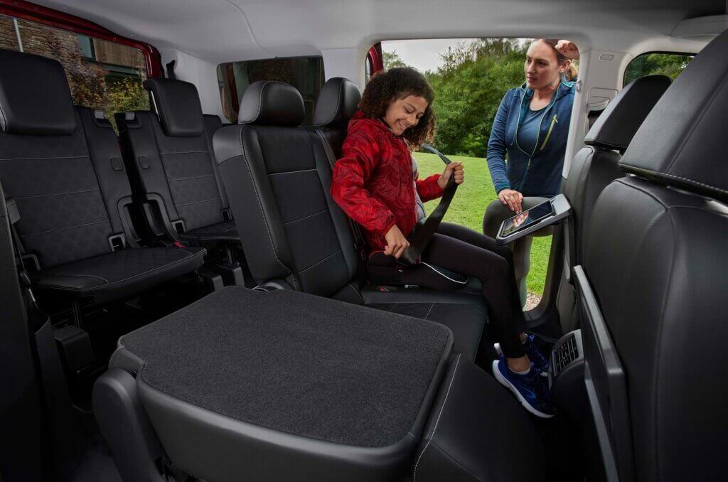 2022 Nowy Ford Tourneo Connect L2 wnętrze tylne fotele